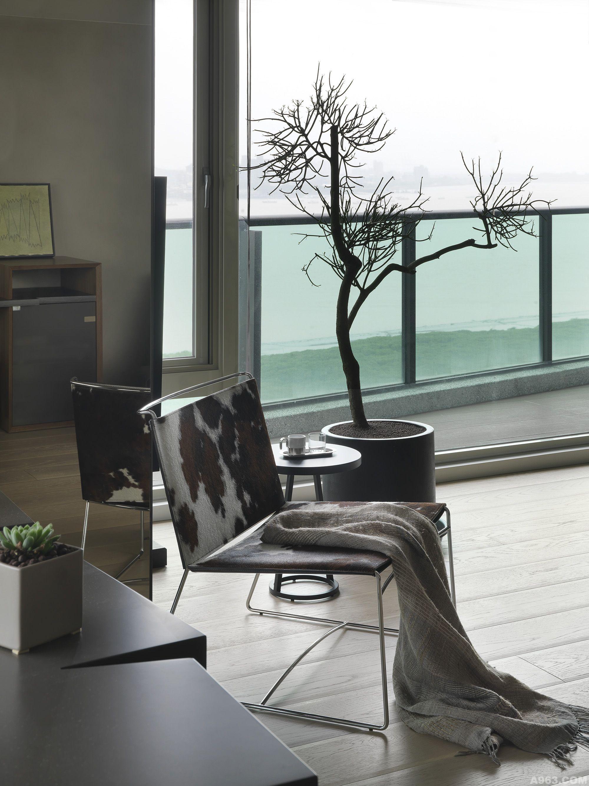 7米阳台落地窗户设计图展示